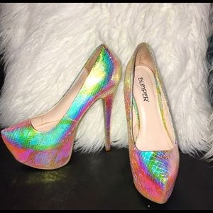 Gorgeous Iridescent Platforms, Size 8